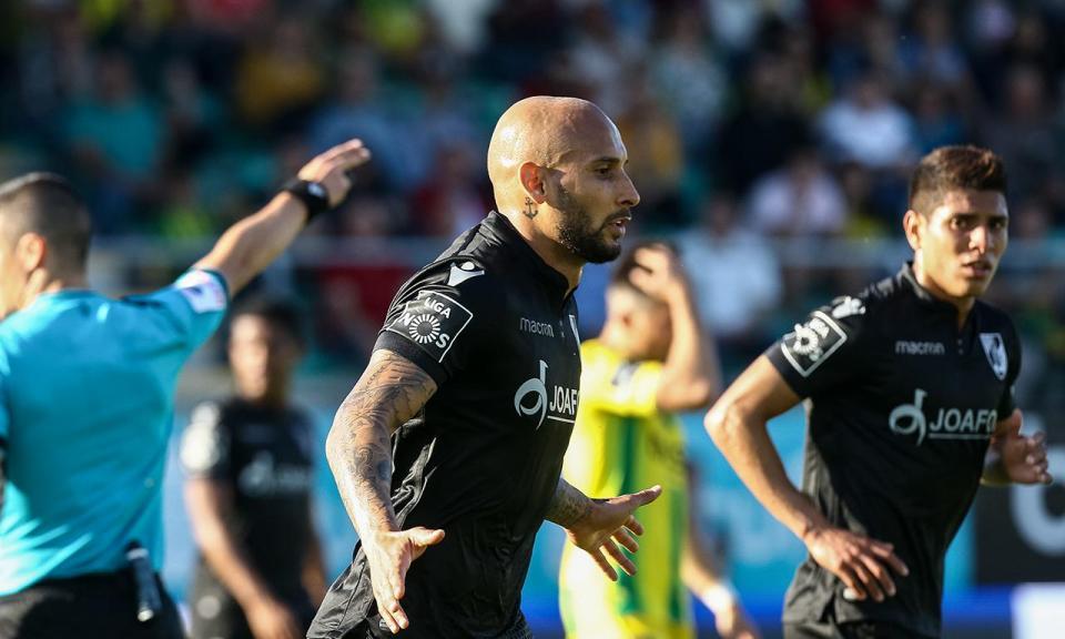 Tondela-V. Guimarães, 1-4 (resultado final)
