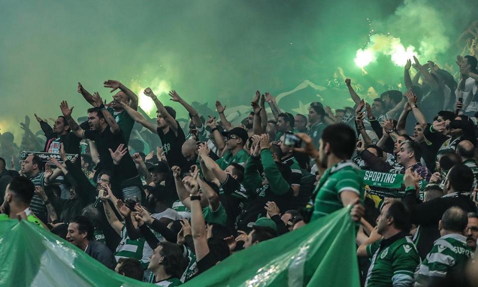 Sporting multado em mais de 13 mil euros pelo comportamento de adeptos