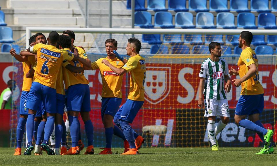 Estoril-V. Setúbal, 2-1 (crónica)