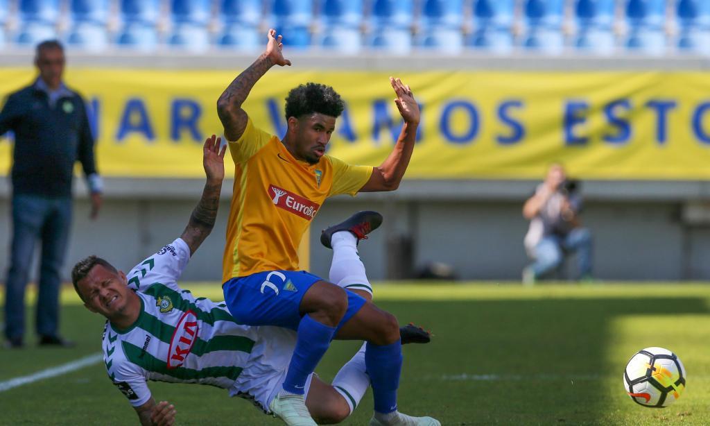 Estoril-V. Setúbal, 2-1 (resultado final)