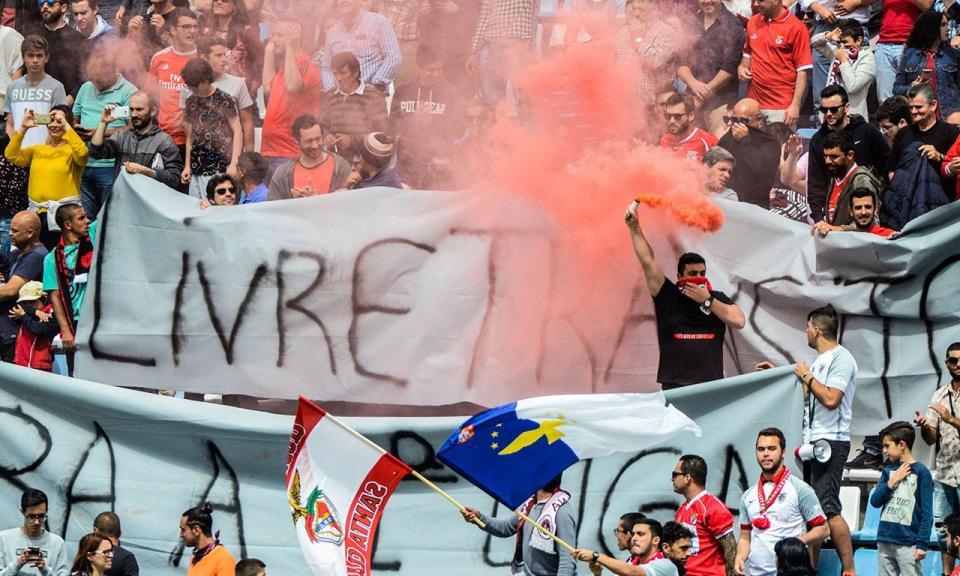 Santa Clara-Benfica: fila de dois quilómetros «esgota» bilhetes
