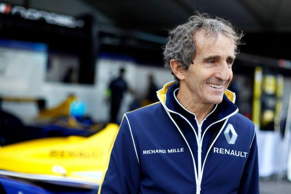 "Prost: ""A Ferrari pode ganhar neste ano"""