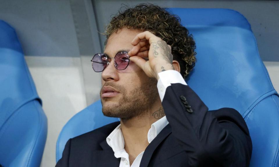 Neymar começa a treinar com bola neste domingo