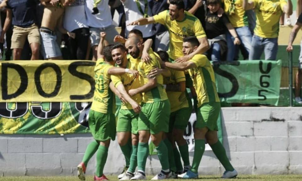 II Liga: Mafra e Estoril no grupo da frente