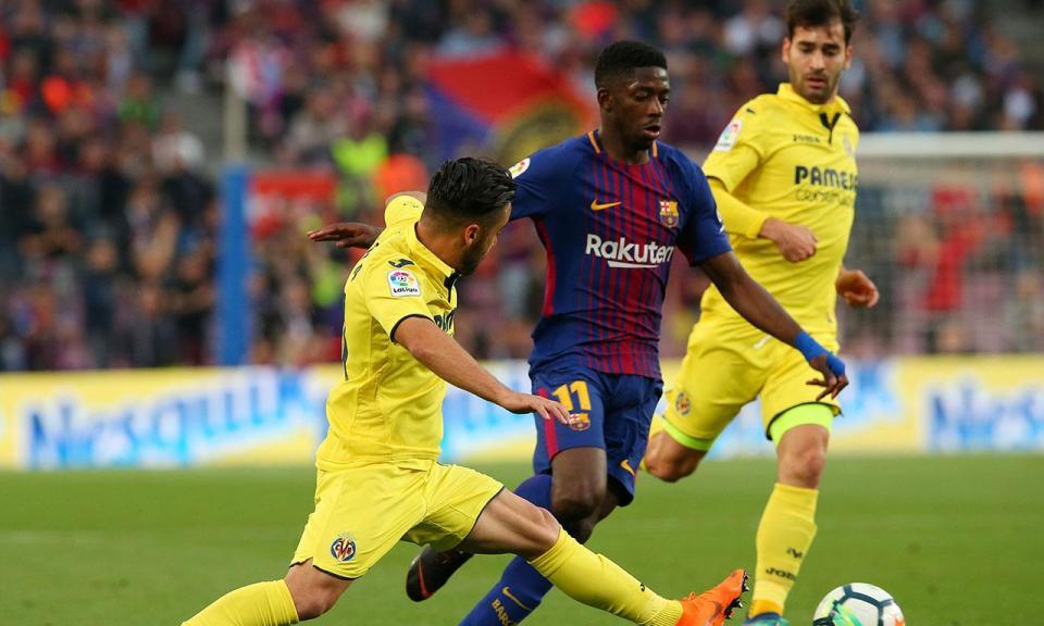Barcelona goleia e segue invicto a dois jogos do fim