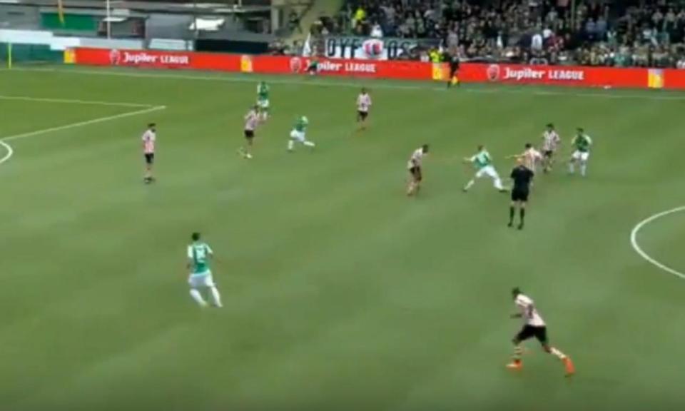 VÍDEO: um grande golo do meio campo… na própria baliza