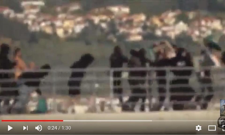 VÍDEO: confrontos entre adeptos do PAOK e do AEK horas antes da final