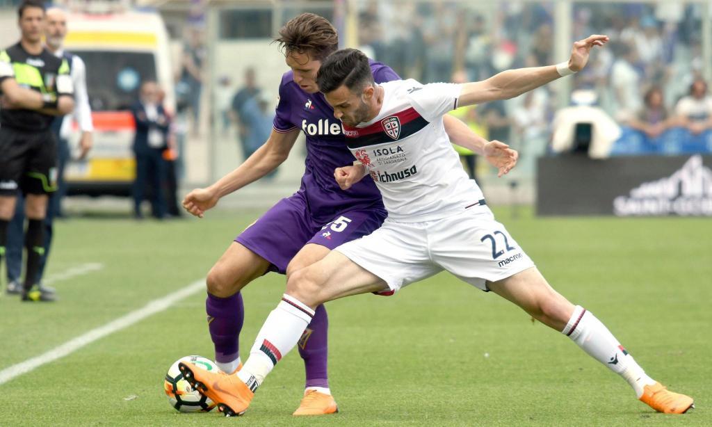 Gil Dias entra na derrota caseira da Fiorentina com o Cagliari