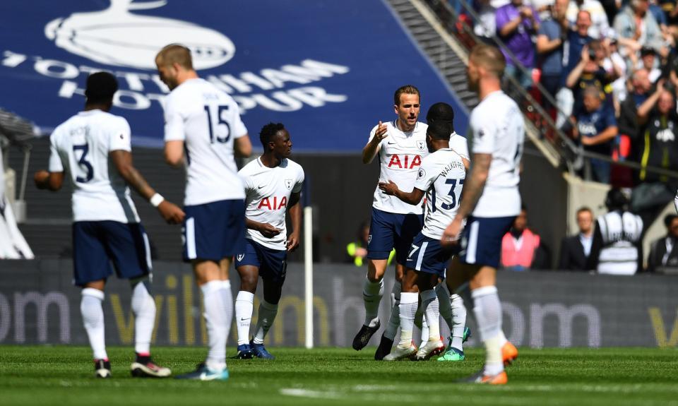 Tottenham goleia Roma por 4-1