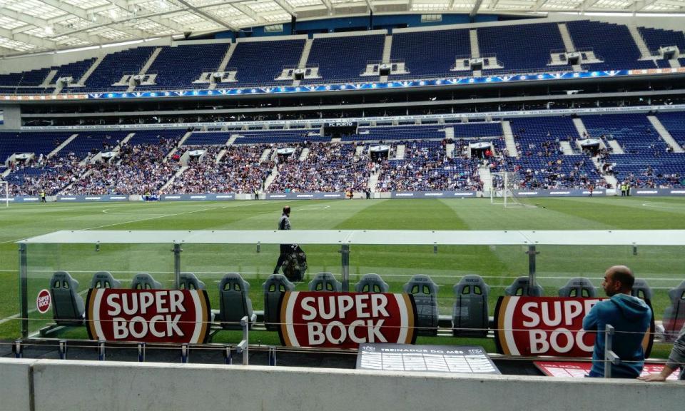 FC Porto: «panenkada» de Marega para cinco mil pessoas