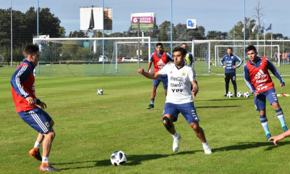 Mundial 2018: Salvio e mais quatro já treinam na Argentina