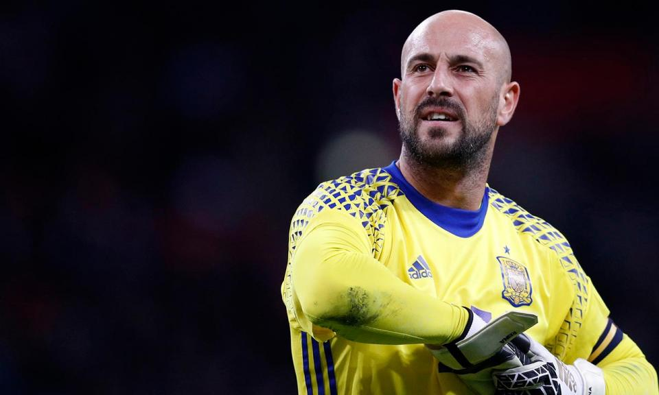OFICIAL: Milan anuncia Pepe Reina e Strinic