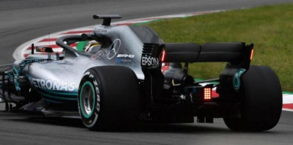F1: FIA testou com a Mercedes novas luzes de presença