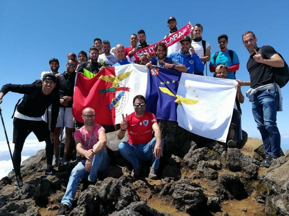 FOTO: Santa Clara cumpre promessa e sobe ao Pico