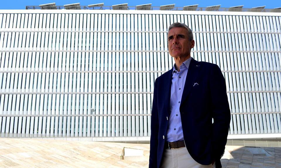 OFICIAL: Luís Castro é o novo treinador do V. Guimarães