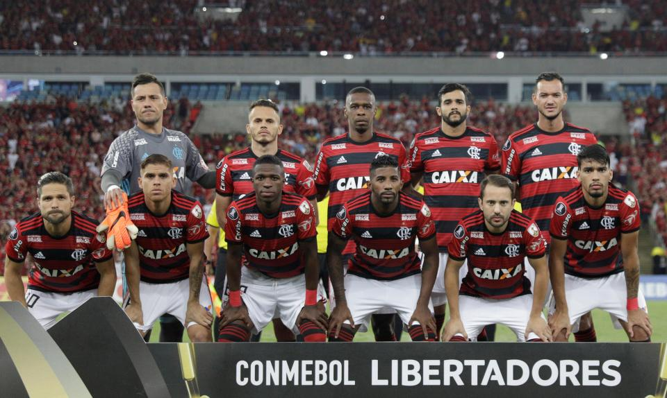 OFICIAL: Flamengo empresta médio ao Portimonense