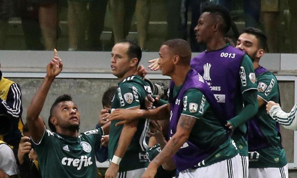 VÍDEO: ex-Sporting marca na eliminação de Scolari da Taça do Brasil
