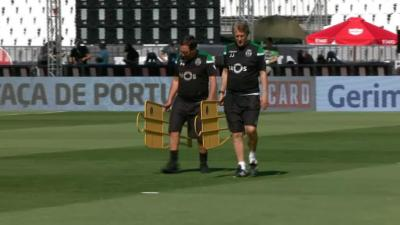 Sporting treinou no Jamor  Jesus cumprimentou os jornalistas ... 3c2495fd5edf5