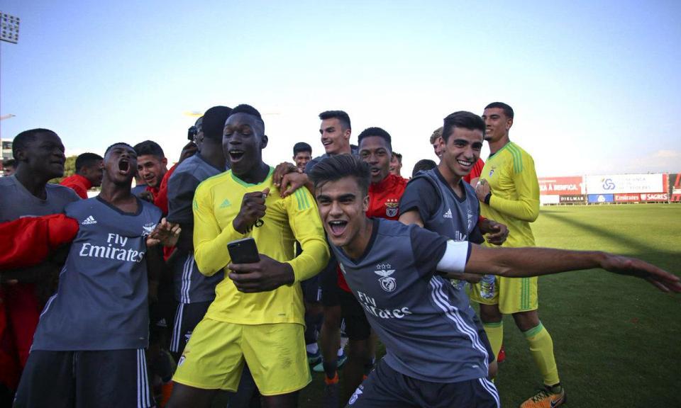 «Jogadores foram fantásticos», elogia João Tralhão na hora da festa
