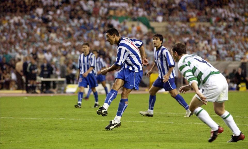 Há 15 anos o FC Porto brilhou sob o sol tórrido de Sevilha