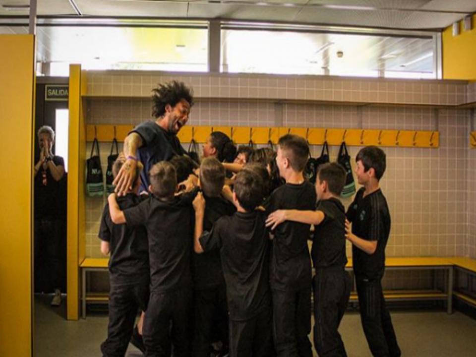 VÍDEO: depois do filho, foi a vez de Marcelo «brincar» no balneário