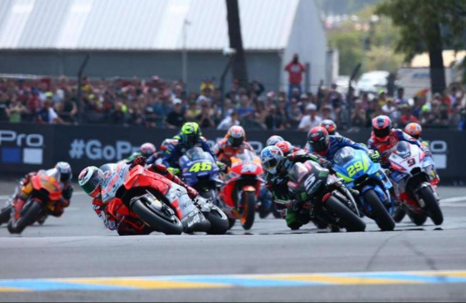 MotoGP: equipas em testes privados em Barcelona