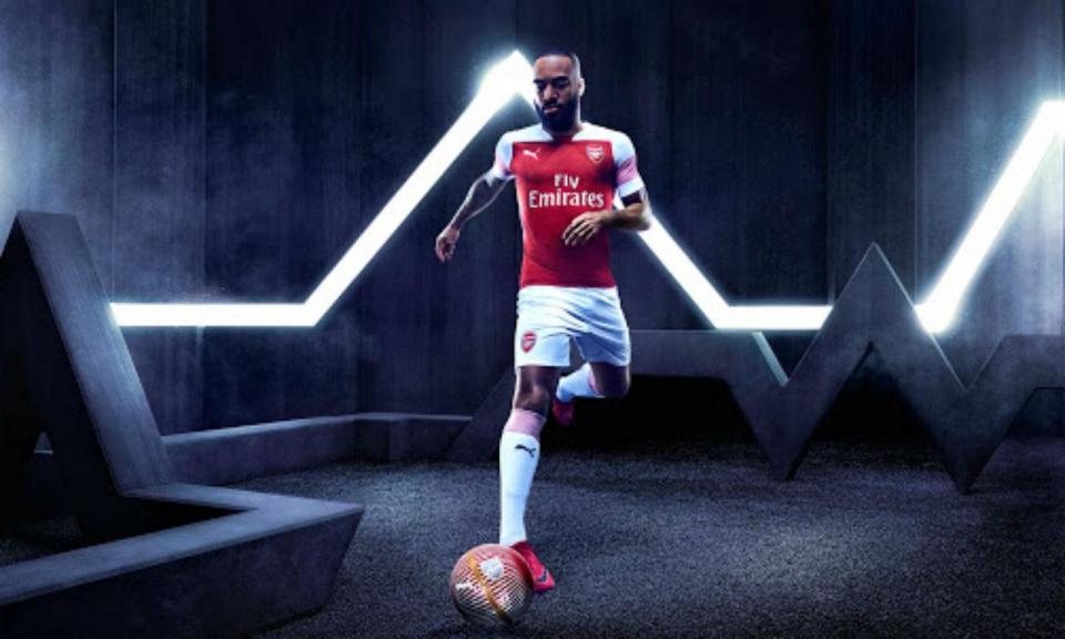 FOTOS:  Arsenal divulgou equipamento principal para 2018/19