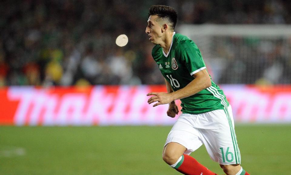 Herrera e Corona titulares no empate do México