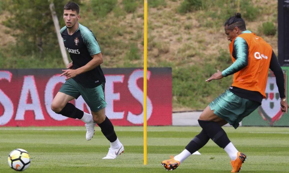 Rúben Dias: «Poder falhar seleção por lesão? Tive de lidar com isso»