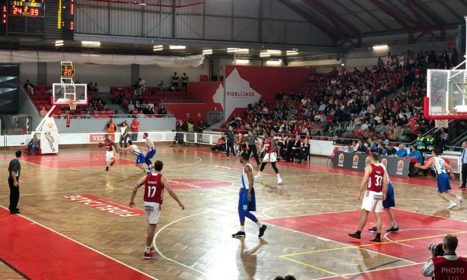 Basquetebol: Benfica vence FC Porto e empata meia-final do play-off