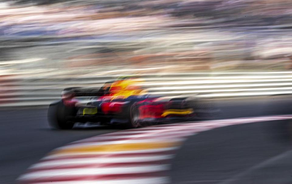 GP do Mónaco: um Red Bull imparável, outro destruído antes da qualificação