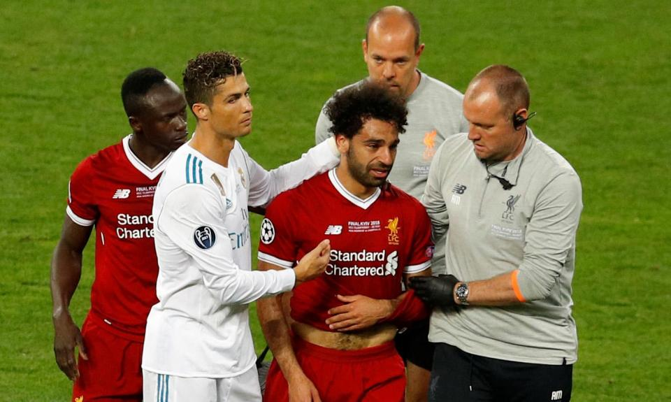 Klopp e a lesão de Salah: «É grave, não tinha nada bom aspeto»