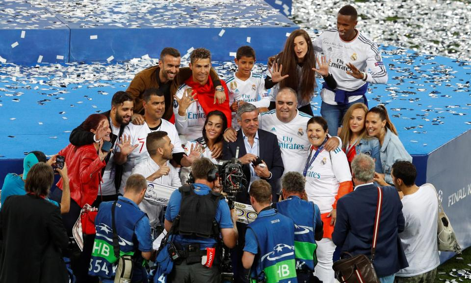 LC: Madrid já festeja nas ruas, mas o troféu só chega domingo
