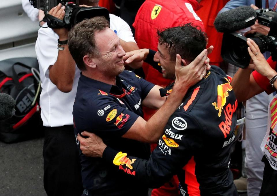 """Ricciardo venceu com """"apenas seis velocidades"""" e menos"""