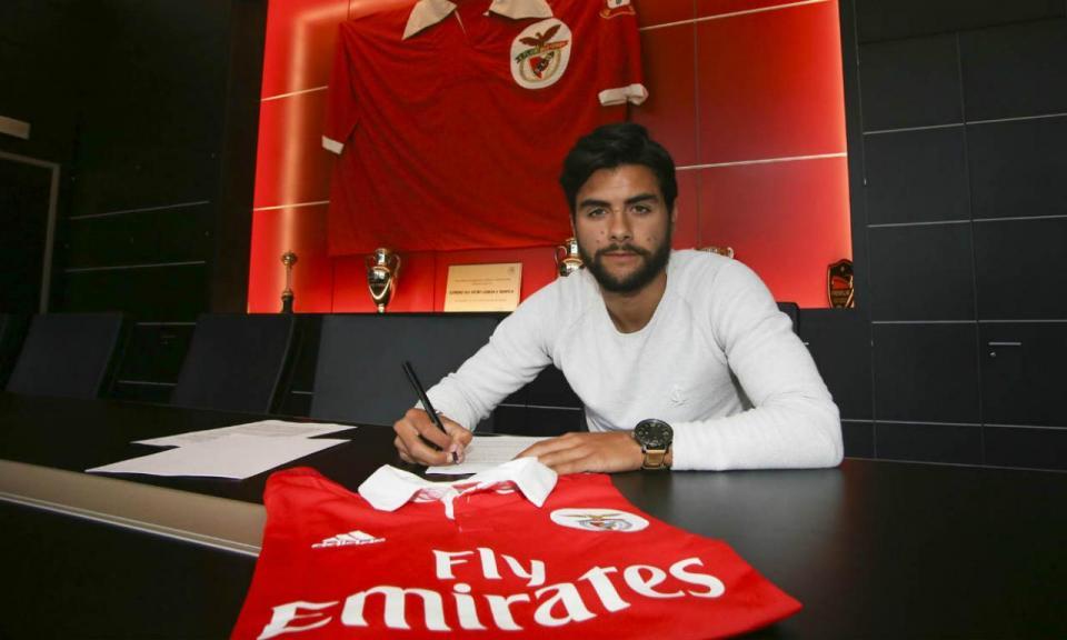 OFICIAL: Benfica confirma João Amaral por três anos