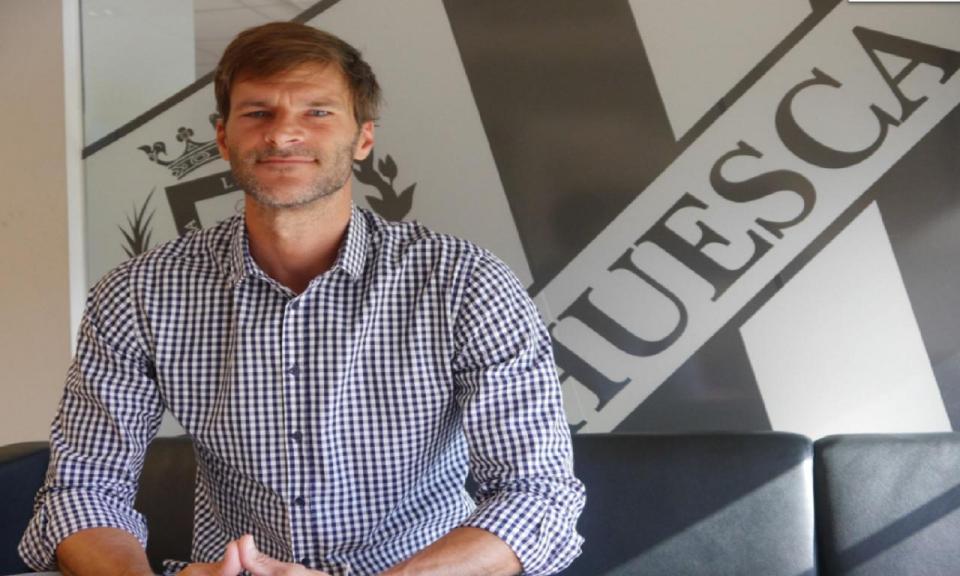 Estreante Huesca escolhe ex-internacional argentino para treinador
