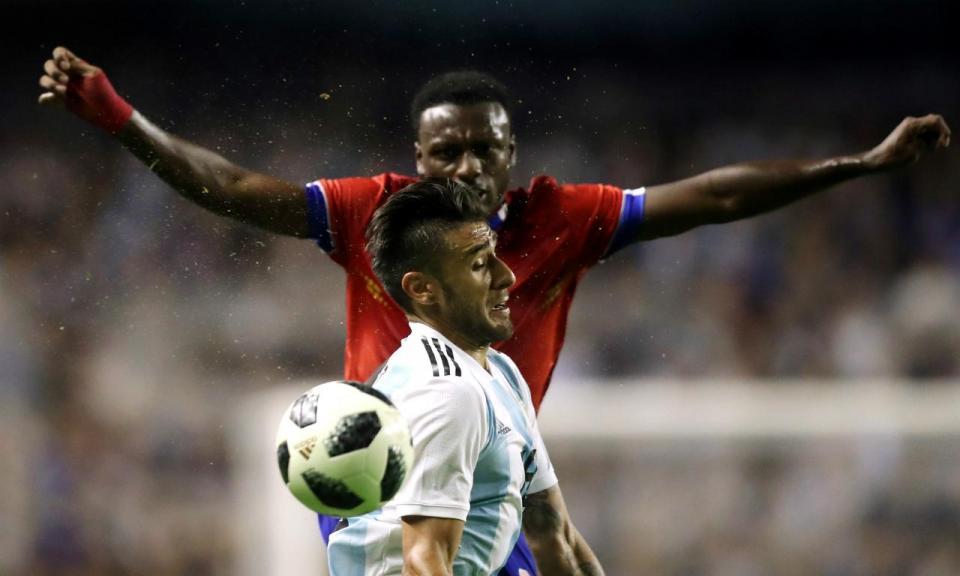 VÍDEO: hat-trick de Messi com Salvio de lateral e Acuña suplente