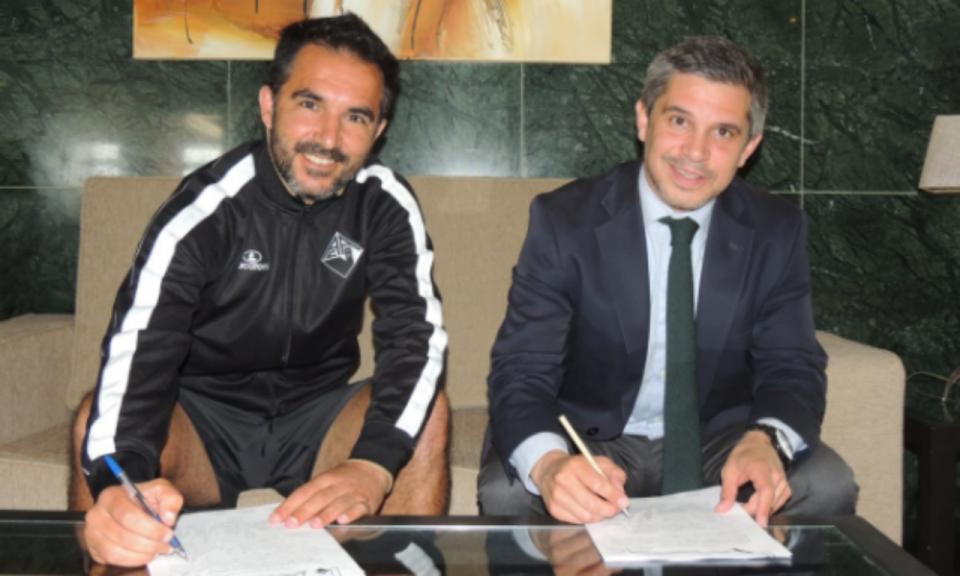 II Liga: Carlos Pinto já não é treinador da Académica