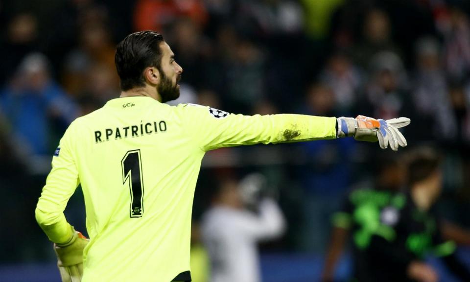 Rui Patrício: FIFA comparou-o a Gordon Banks e José Fonte aplaude