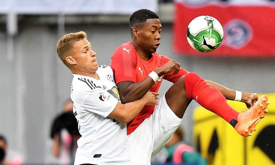 Neuer regressa mas Áustria vence Alemanha 32 anos depois