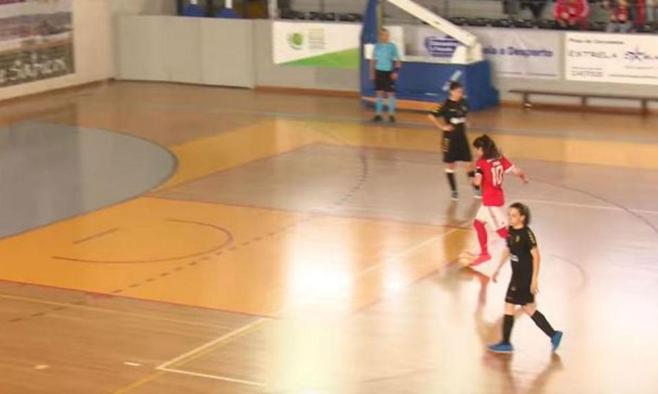 Futsal Feminino: gesto de «fair play» na festa do Benfica (vídeo)
