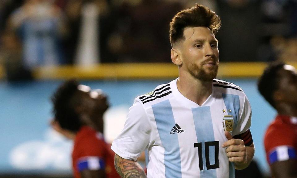 Crianças palestinianas pedem a Messi que não jogue com Israel