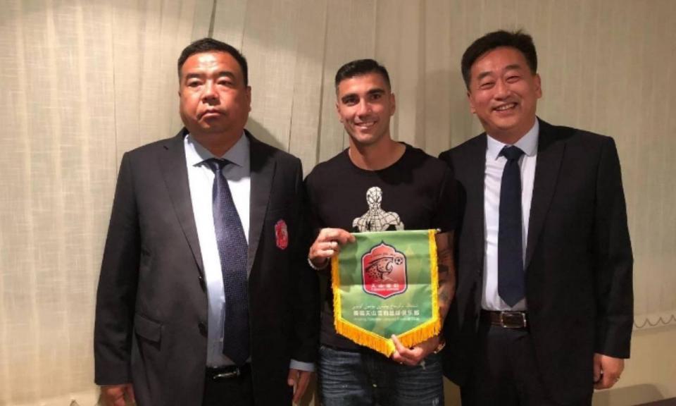 113068f14c OFICIAL  ex-Benfica vai jogar na China