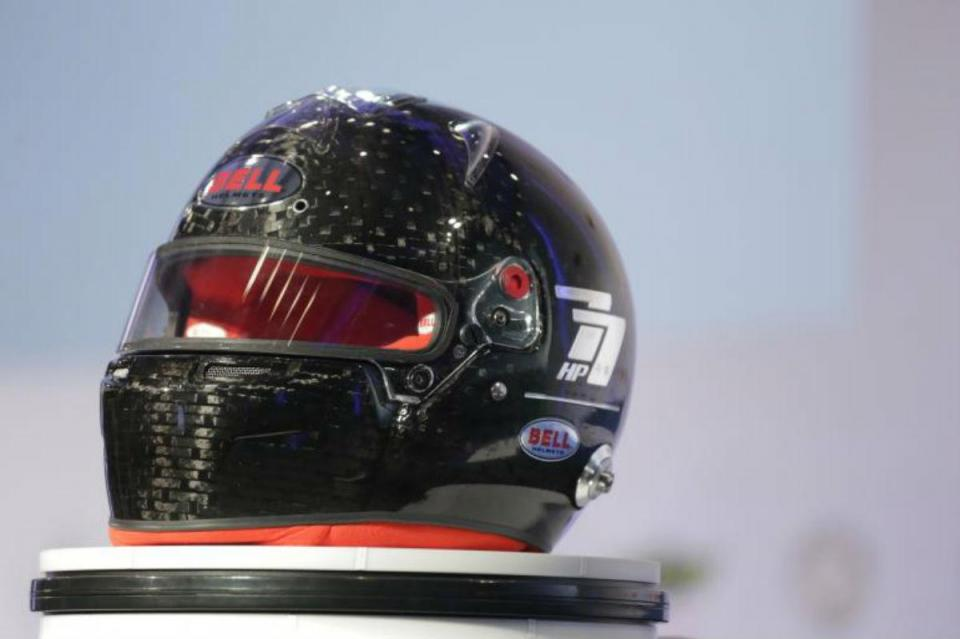 F1: FIA apresenta novo capacete obrigatório já em 2019
