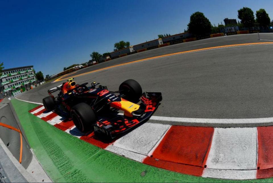 """Max Verstappen: """"O carro esteve muito bem o que é um bom sinal"""""""