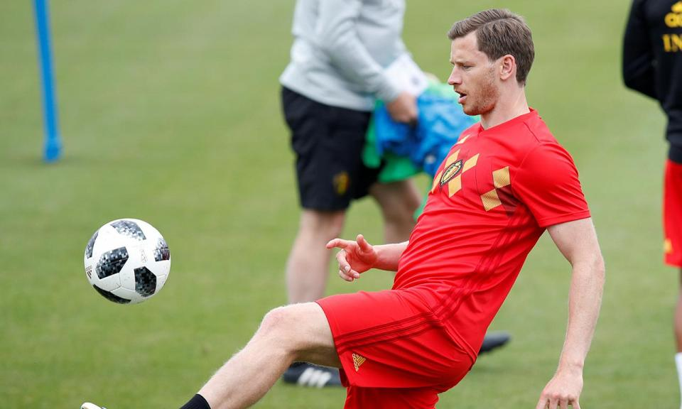 Tottenham: lesão muscular tira Vertonghen até dezembro