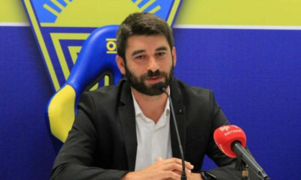 Estoril apresenta Luís Freire com o «objetivo de subir de divisão»
