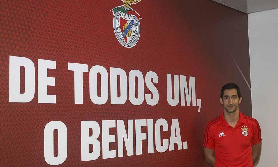 Hóquei: Valter Neves renova com o Benfica