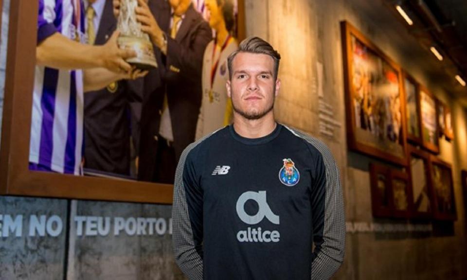 OFICIAL: FC Porto segura Ricardo Silva