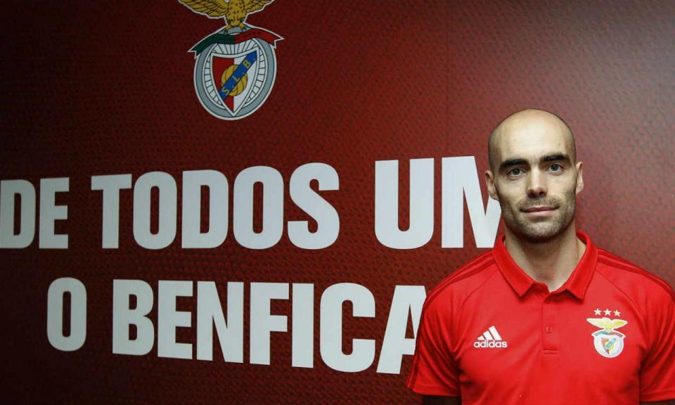 Andebol: Benfica renova com Fábio Vidrago
